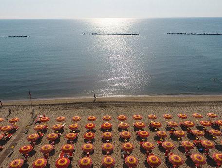 Campingplatz Norditalien direkt am adriatischen Meer, 4-Sterne-Campingplatz